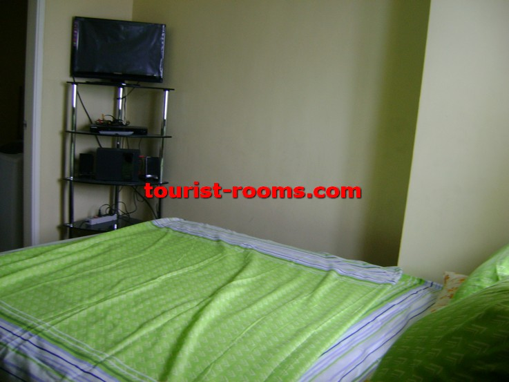 BED AND TV AT GATEWAY GARDEN HEIGHTS,GATEWAY GARDEN HEIGHTS,MANILA APARTMENTS FOR RENT,APARTMENT NEAR BONI MRT STATION FOR RENT,APARTMENT NEAR FORUM ROBINSONS MALL FOR RENT,APARTMENT AT MANDALUYONG FOR RENT,MANDALUYONG APARTMENT,MANDALUYONG APARTMENT FOR RENT