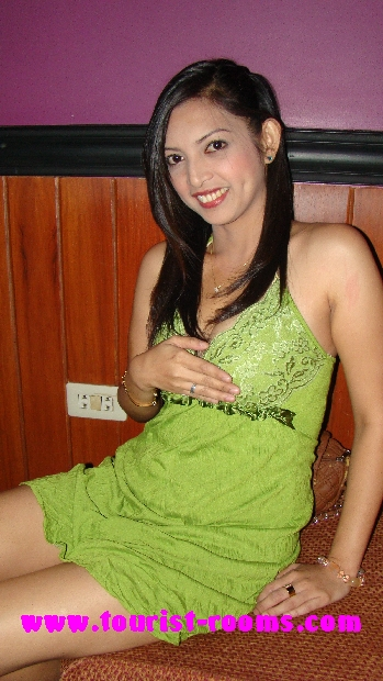 LADY WITH SWEET SMILE AT MALATE KTV CLUB