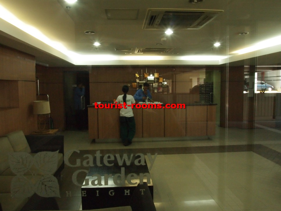 FRONT DESK AT GATEWAY GARDEN HEIGHTS,GATEWAY GARDEN HEIGHTS,MANILA APARTMENTS FOR RENT,APARTMENT NEAR BONI MRT STATION FOR RENT,APARTMENT NEAR FORUM ROBINSONS MALL FOR RENT,APARTMENT AT MANDALUYONG FOR RENT,MANDALUYONG APARTMENT,MANDALUYONG APARTMENT FOR RENT