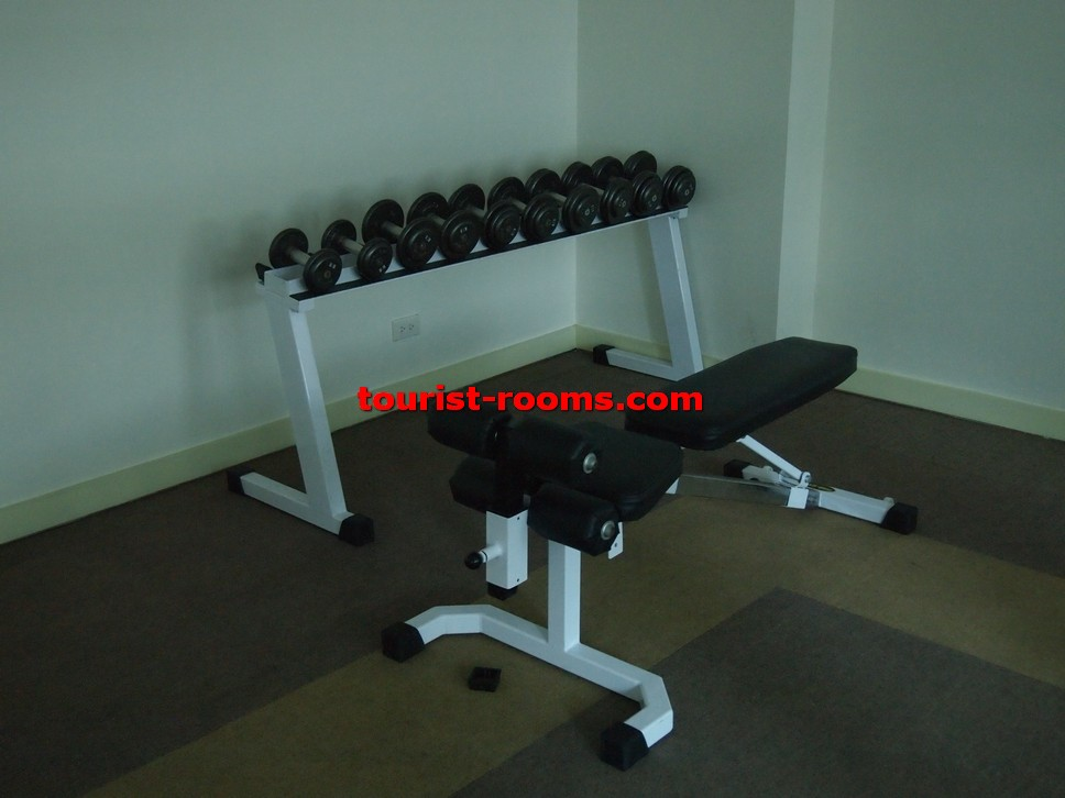 WEIGHTS AND SIT UP EQUIPMENT INSIDE GYMN AT GATEWAY GARDEN HEIGHTS,GATEWAY GARDEN HEIGHTS,MANILA APARTMENTS FOR RENT,APARTMENT NEAR BONI MRT STATION FOR RENT,APARTMENT NEAR FORUM ROBINSONS MALL FOR RENT,APARTMENT AT MANDALUYONG FOR RENT,MANDALUYONG APARTMENT,MANDALUYONG APARTMENT FOR RENT