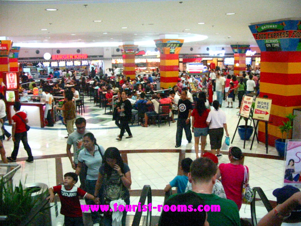 FOOD COURT AT FORUM ROBINSONS SHOPPING MALL, GATEWAY GARDEN HEIGHTS,GATEWAY GARDEN HEIGHTS,MANILA APARTMENTS FOR RENT,APARTMENT NEAR BONI MRT STATION FOR RENT,APARTMENT NEAR FORUM ROBINSONS MALL FOR RENT,APARTMENT AT MANDALUYONG FOR RENT,MANDALUYONG APARTMENT,MANDALUYONG APARTMENT FOR RENT