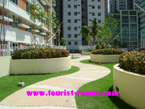 FOOT PATH AT GATEWAY GARDEN HEIGHTS,GATEWAY GARDEN HEIGHTS,MANILA APARTMENTS FOR RENT,APARTMENT NEAR BONI MRT STATION FOR RENT,APARTMENT NEAR FORUM ROBINSONS MALL FOR RENT,APARTMENT AT MANDALUYONG FOR RENT,MANDALUYONG APARTMENT,MANDALUYONG APARTMENT FOR RENT